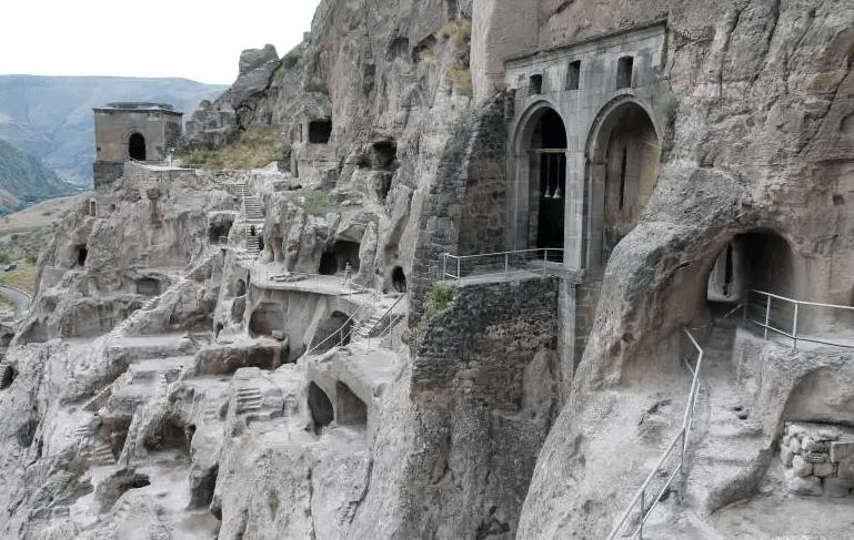Печерне місто Вардзия