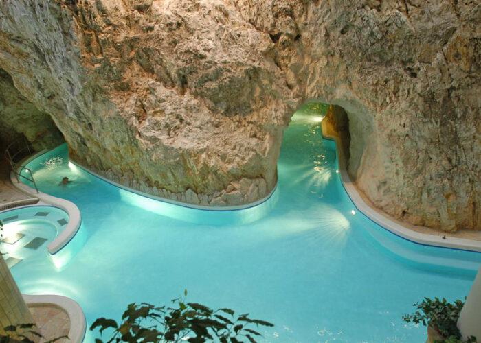 Печерна купальня Мішкольц-Тапольца